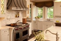 Kitchens / by Sue Else
