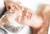 Microdermabrasion / Microdermabrasion is a quick and painless deep exfoliating treatment that accelerates the rate at which dead skin is exfoliated, and jump-starts the production of new skin cells. Microdermabrasion gives skin that is showing the signs of ageing or sun damage a fresher appearance with firmer & healthier skin. ClearSkin use a medical grade machine that combines vacuum suction, ultrasound and a medical grade diamond tip.