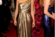 15 Hot actresses in Golden Glowing Dresses