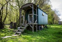 Cosy Retreats / Super cosy unusual places to stay in the UK, from shepherd's huts to tipis, huts and cabins to glamping pods!