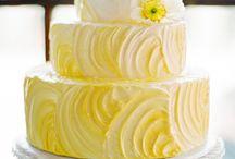 Krémel dìszitett tortàk