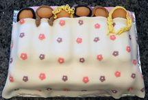 Cakes / by Jessica Chestnut