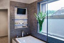 bathroom n tub