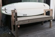 Surfboard bench / DIY surfboard bench. No screws or nails in the board.