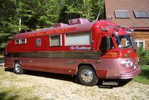 Old Campers and motorhomes / Vintage Campers and motorhomes