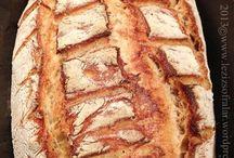 Ekşi mayalı tam buğday unlu ekmek
