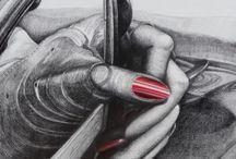 JUSQU'AU BOUT DES ONGLES / VOITURE/Main de femme , automobile, gants,ongles,Dessin mine de plomb sur toile 60x60