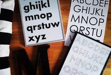 Plakaty dekoracyjne/ Litery / Plakaty dekoracyjne z literami będą zarówno idealną ozdobą każdego wnętrza, jak również świetnym pomysłem na prezent.
