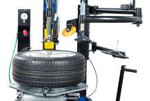 Desmontadoras de neumáticos. / Desmontadoras de neumáticos para coches y vehículos industriales en http://iberisasl.com/desmontadoras-turismos-hofmann-megaplan.php