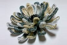 Crochet accessories / Вязаные крючком заколки, цветы, брошки