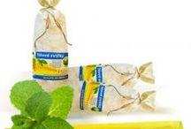 Tělové svíce HOXI / Ručně vyráběné, české tělové svíce HOXI s včelím voskem a protizánětlivou kurkumou. V kónickém tvaru pro lepší účinnost. V plátěném pytlíku nebo volně balené. Vhodné jako doplněk domácí lékarničky nebo pro terapeuty, maséry a léčitele.