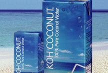 Acqua di Cocco / Dalle migliori noci di cocco della Thailandia, KOH Coconut, solo acqua di cocco fresco, pura e naturale al 100%.