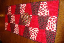 Quiltsy, Valentine's Day Quilts and Decor from the Quiltsy Team on Etsy / Quilts for Valentine's Day