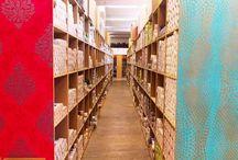 Billigerluxus | Tapeten online / Billigerluxus … macht Luxus billiger! Für jedes Raumkonzept das passende Produkt - von Tapeten, Fototapeten über Teppiche, Läufer bis hin zu Fußmatten, Badematten, Vorhängen und Kissen sowie Wandbildern, bietet der Billigerluxus Online-Shop ein großes Angebot an Marken und - Qualitätsprodukten an, die das Zuhause schöner machen.