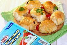 Пирожки с крабовыми палочками и баклажаном