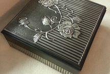 Cajas con láminas de aluminio