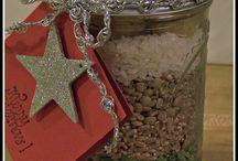 Food Gifts / by Nadia Pennington