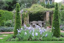 Gorgeous Gardens / Beautiful gardens across the country, from stately homes to wild country gardens.