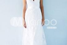 Pretty Wedding Dresses / by Celia Zisman
