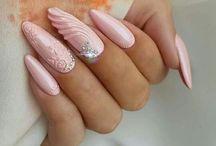 K - pink körmök