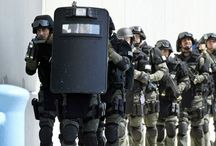 """US SPECIAL OPS FORCES """"RAID"""" DOWNTOWN TAMPA FLORIDA IN SEARCH OF PIRATES"""
