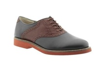 Mens Shoes / Are you looking for the latest styles in mens shoes? Look no more! A1 Fashion Institute aims to find and share the latest in mens shoes and to offer reviews and great value.