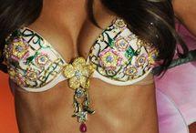 Alessandra Ambrosio / Victoria's Secret Angel
