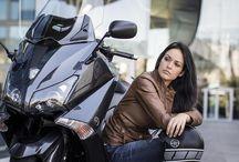Современная «икона». Нетрудно понять, почему ТМАХ стал лидером в классе макси - скутеров в Европе.