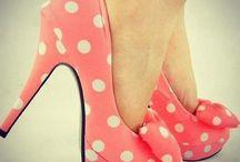 Shoes❤️ / Louca por sapatos ,tênis ,sapatilhas , botas amo todos / by Claudia Souza