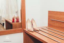 - Zapatos de novia - Wedding bride shoes / Zapatos originales y complementos para novia. Fotografía de boda en Barcelona . Zapatos rojos, fucsia, azules ...