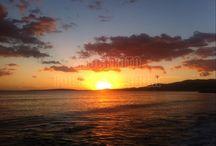 Sundowner / Auf Mallorca ist es jeden Abend ein Spektakel bei über 300 Sonnentagen im Jahr. Je nachdem wo man sich auf Mallorca befindet ist der Sonnenuntergang immer anders zu bewundern