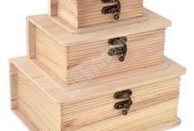 Szkatułki drewniane / Szkatułki, kuferki, pudełka i gablotki wykonane z surowego drewna przeznaczone do samodzielnego wykańczania technikami decoupage