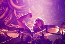 Best Drummers / Best Drummers, Best Drum Solos, Best Drummer, Best Rock Drummers. Best Metal Drummers. http://www.drumperium.com/cat/drummer-news/