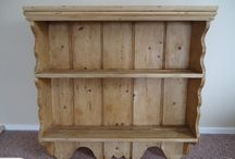 Wall shelving: pine plate rack
