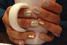 nails / by Danielle Dolan