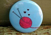 Chapas con frases para tejedoras - Badge Knitting