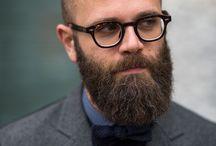 Mode homme | Look chauve / Tableau d'inspiration pour trouver des idées de look qui conviennent le mieux à un homme chauve en complément de notre article qui traitait de la meilleure manière de s'habiller quand on est chauve : https://www.commeuncamion.com/2018/01/26/shabiller-on-chauve/