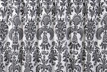 Black & White Bathroom / by Betsy Woodard