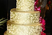 Wedding cakes / Browse an assortment of delicious cakes made just for you. Our design experts can help design a cake just for your special day. Call to schedule a free consultation