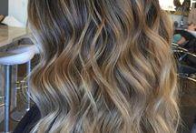 Haare und Beauty / Es geht alles was Frauen im Leben brauchen