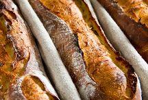 Bread : Ψωμιά!!! κρουασάν : κ.λ.π!!!