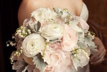 Wedding - flowers and bouquets / by Gretchen Fleming