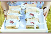 Picknick Ideen / Picknick im Grünen, was kann man sich im Sommer schöneres vorstellen? Ein Korb gefüllt mit Leckereien und gerne auch schön dekoriert. Das Auge isst ja bekanntlich mit. Auch ein Picknick im Winter kann seinen Reiz haben.