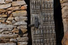 The amazing Doors & Locks of Mali / From mosques to granary stores, Mali has some of the most interesting doors and locks in the world.