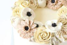 ALPHABET flower Cakes