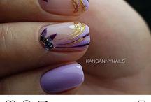 lila körmöcskék