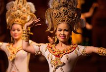 Thailand dance show / THAI NATIONAL DANCE SHOW  Bright and distinctive local dances will make your holiday unique flavor of Thailand! #wedding #event #thailanddance