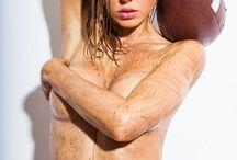 Luci Ford / Η Luci Ford στην πιο καυτή φωτογράφηση για το Super Bowl