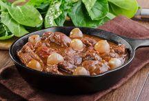 """Rezepte – """"Typisch Mallorca"""" / Ob Vorfreude oder Urlaubserinnerung - der Gaumen hat seine wahre Freude an der mallorquinischen Küche! Diese mediterrane Küche kann deftig und leicht sein. Immer ist sie ein Hochgenuss! Mehr Infos unter: https://www.fincas.de/reisefuehrer/mallorca/spanische-rezepte"""