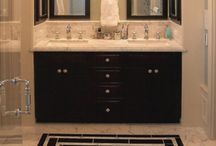 Small bathrooms / by Maria Wiack